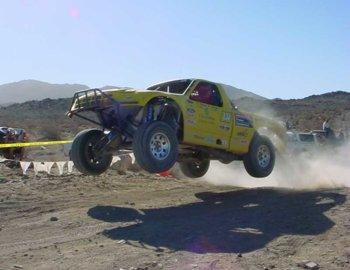 5-25275-yellowtruck.jpg