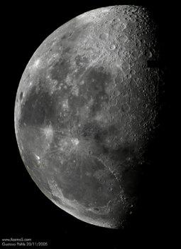 Moon-201105-lowres.jpg