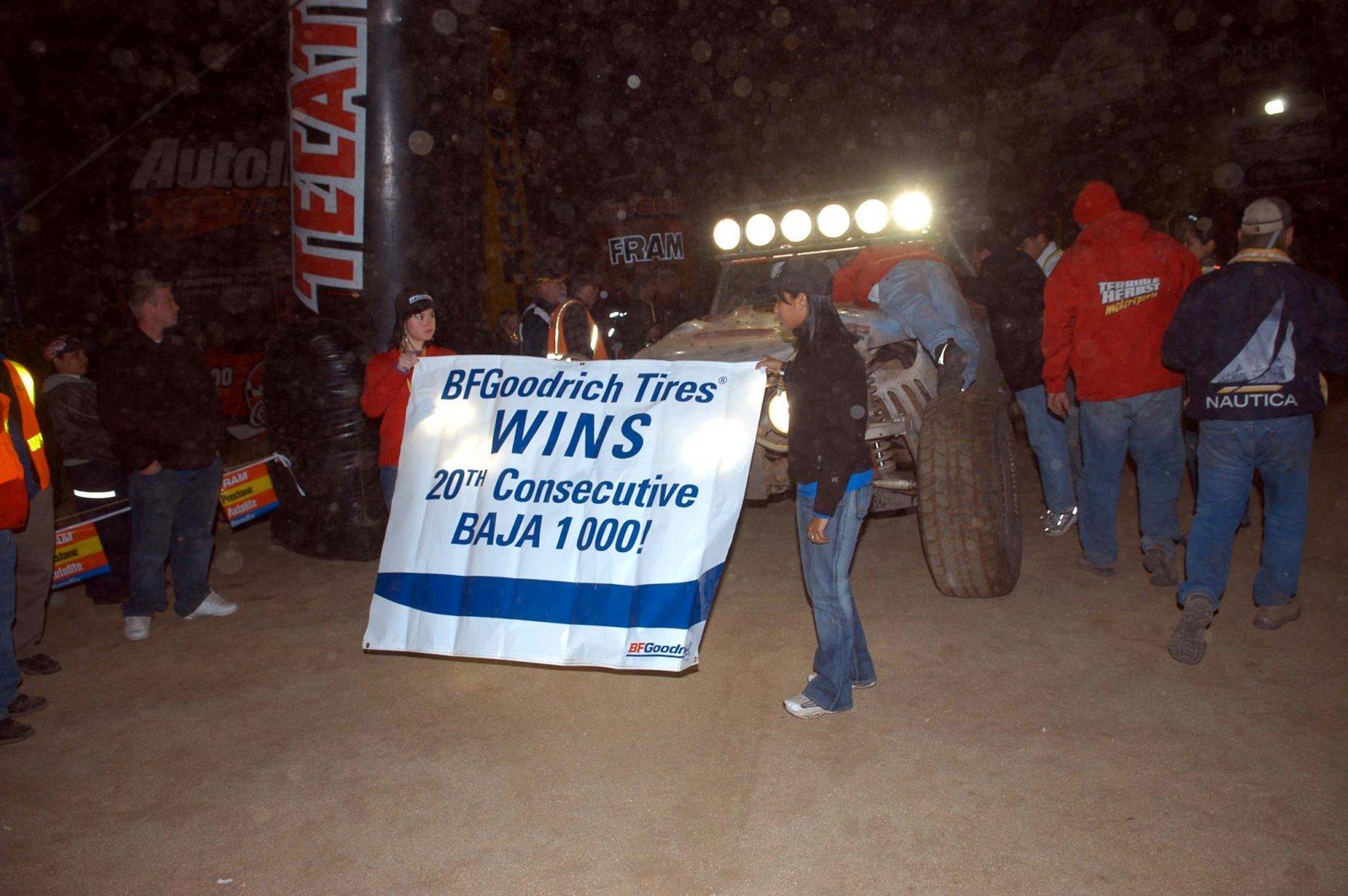 2005.Baja 1000.Herbst.BFG 20th Win.01.21x.jpg