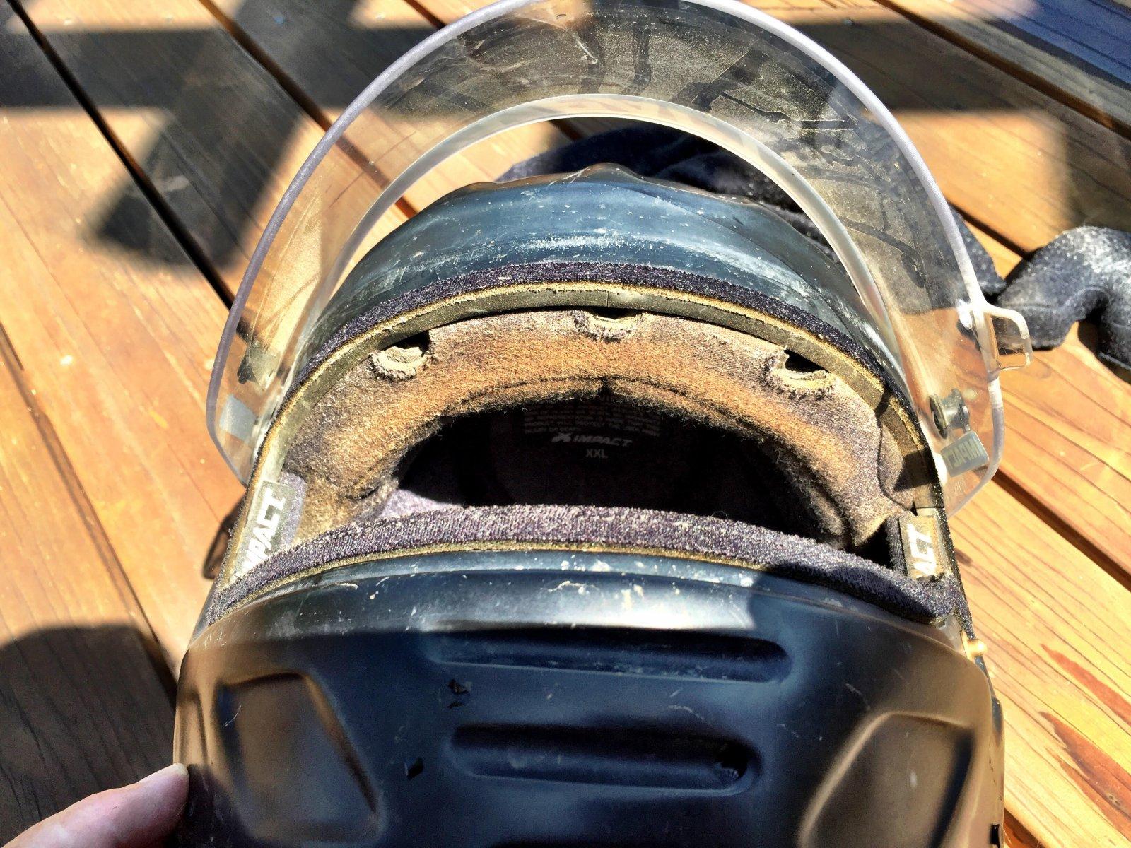 dirty-off-road_helmet.jpg