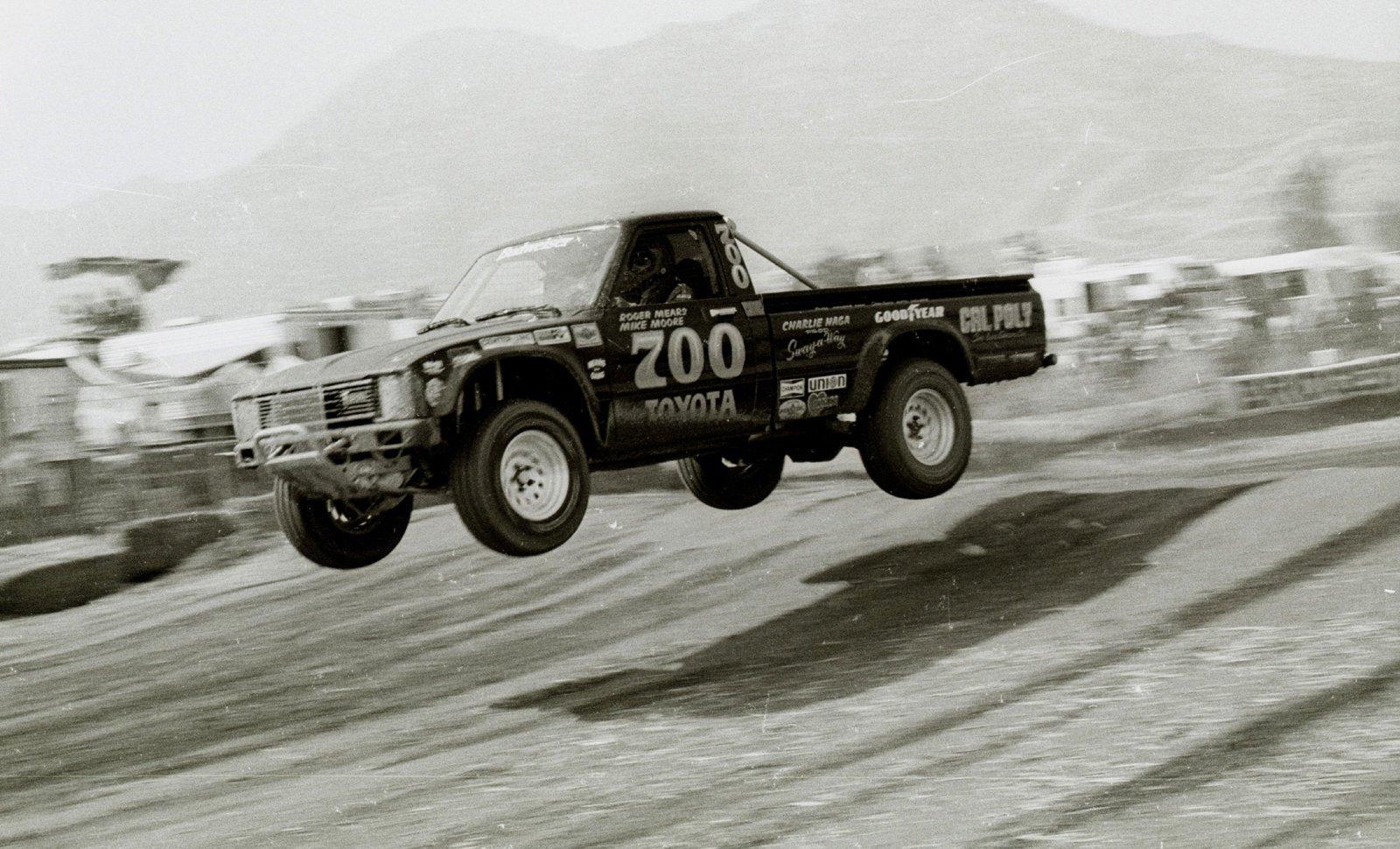 CenterlineImages.1981.Riverside.700.Mears.Moore.Bud Toyota.21x.jpg