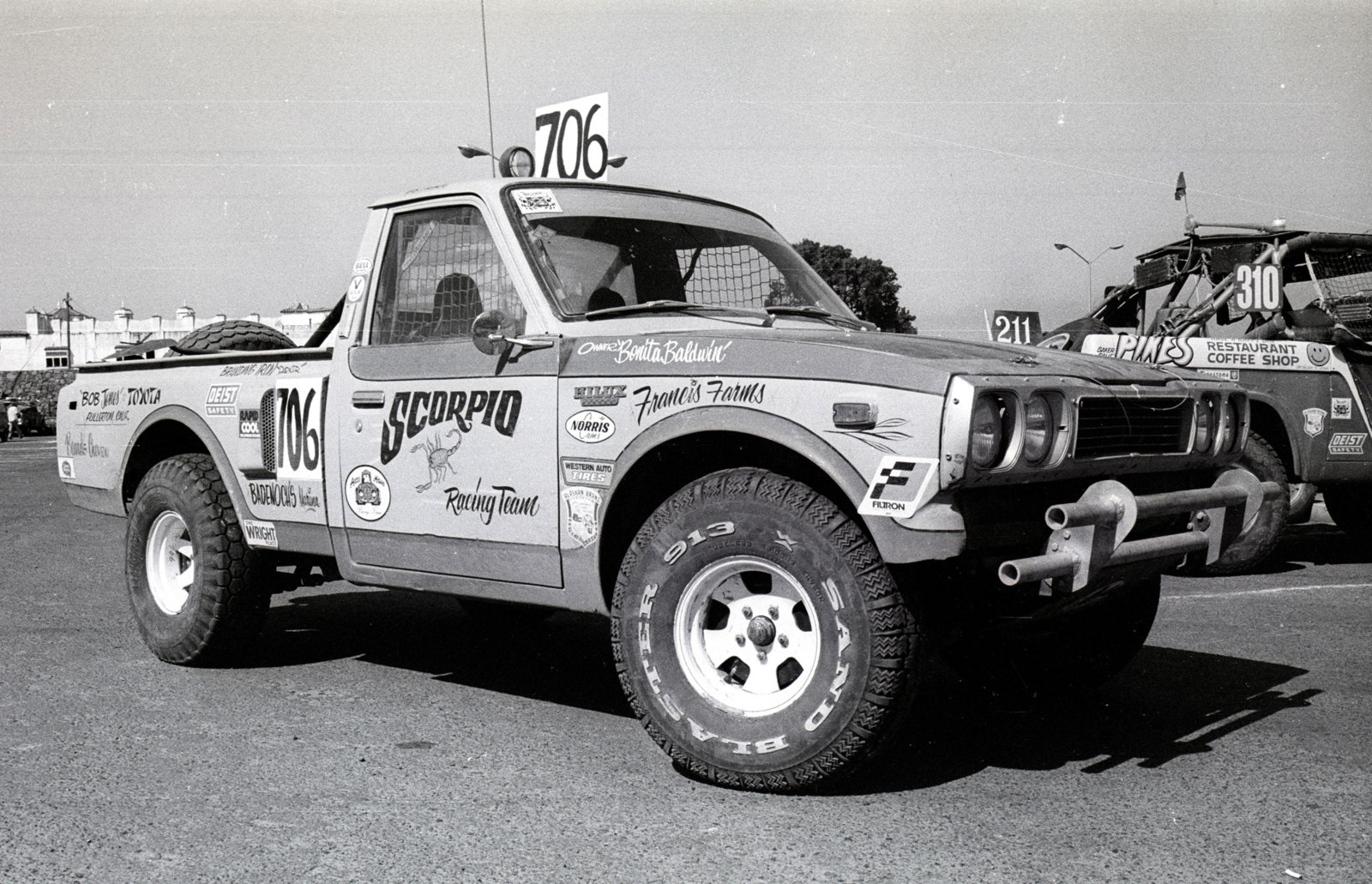 CenterlineImages.1976.Baja 500.Baldwin.toyota.21x.jpg