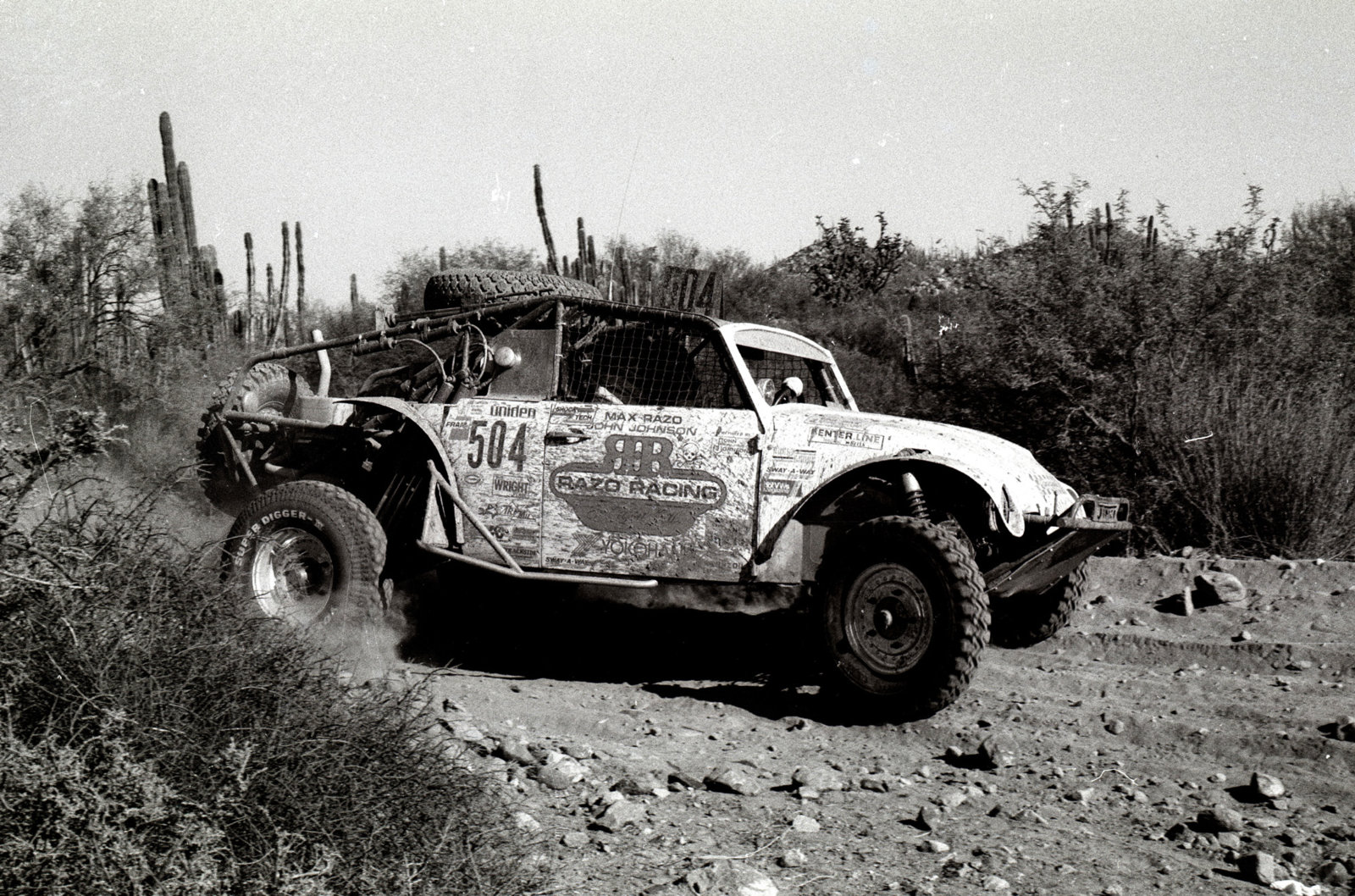 CenterlineImages.1986. Baja 1000. 504. Razo. Johnson. 1st class.21x.jpg