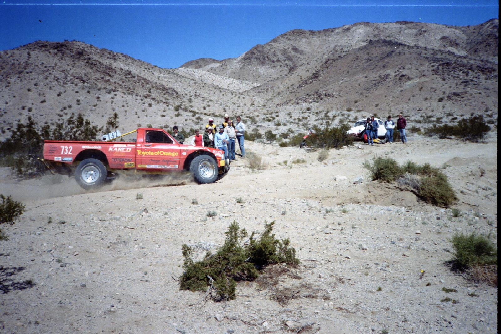 4-1985 desert race030.jpg