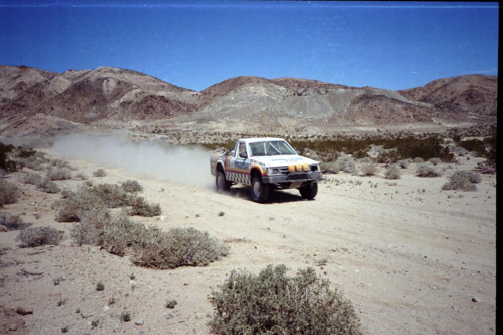 4-1985 desert race031.jpg