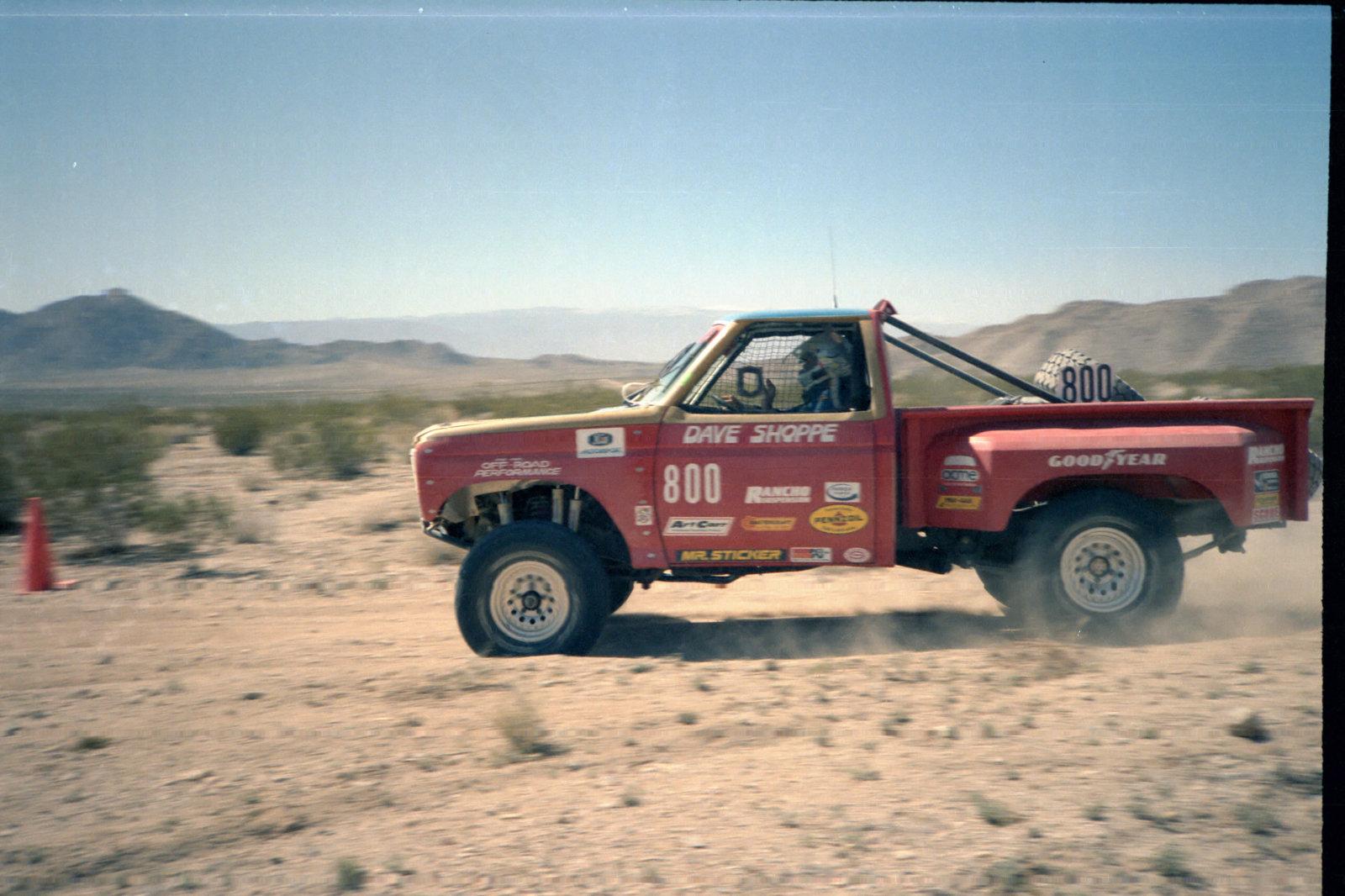 4-1985 desert race033.jpg