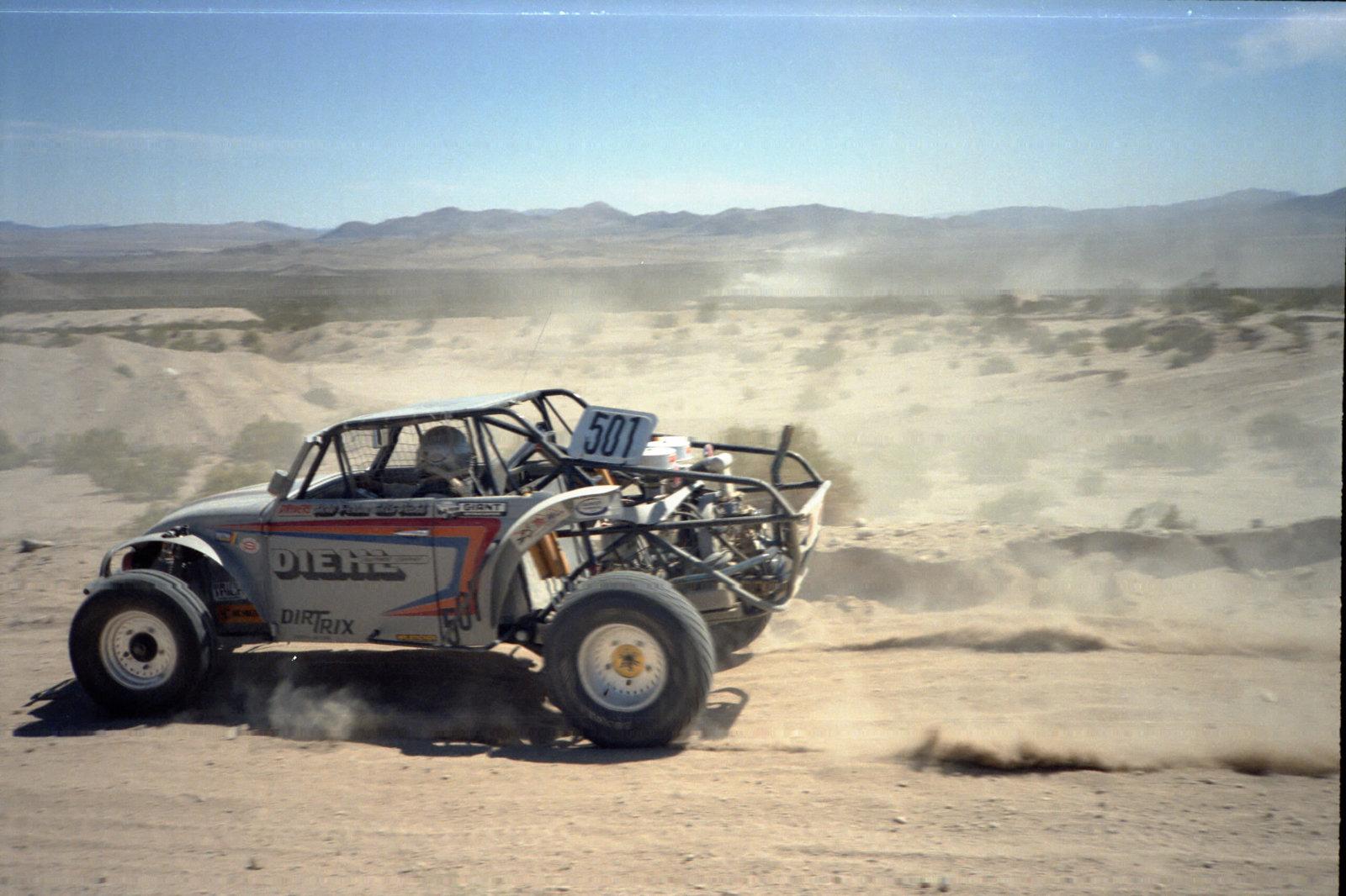 4-1985 desert race014.jpg