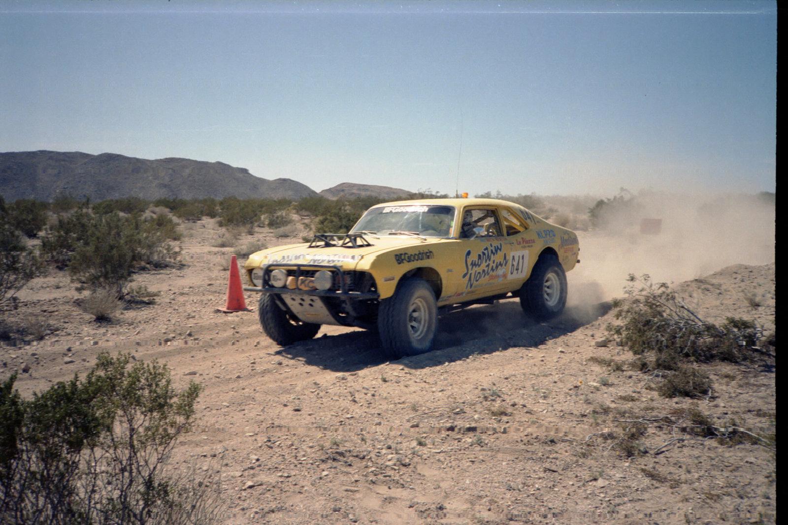 4-1985 desert race015.jpg