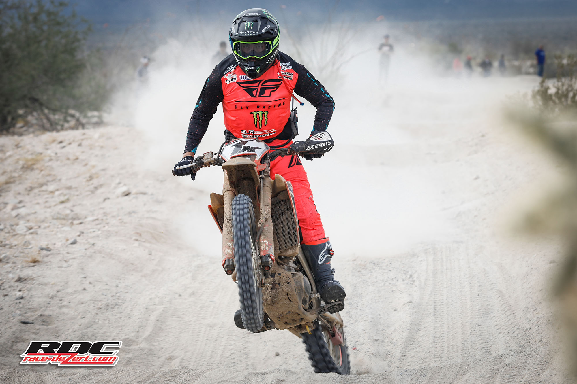 2019-score-baja1000-1x-westx1000-race-dezert-001.jpg