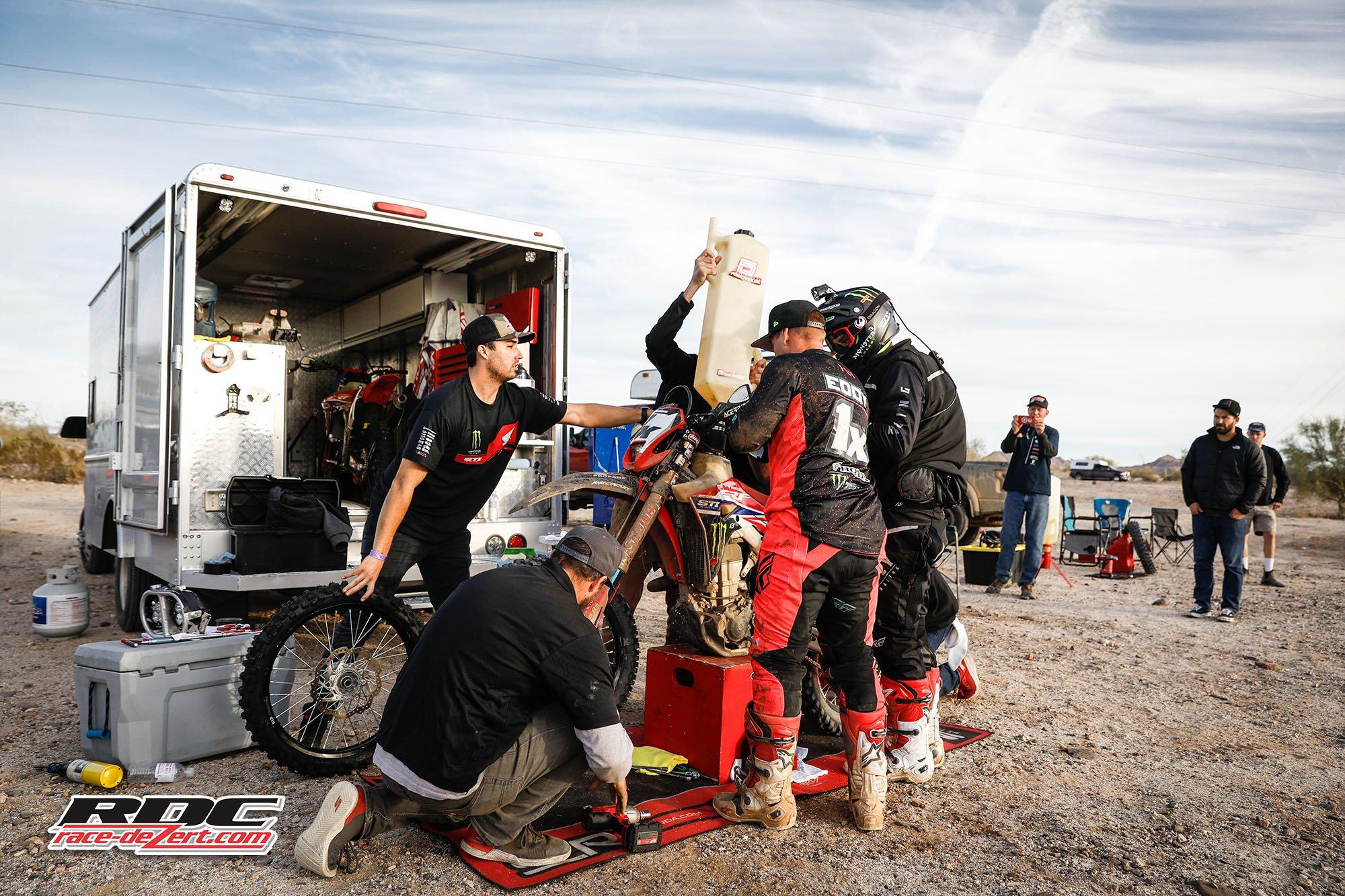 2019-score-baja1000-1x-westx1000-race-dezert-005.jpg