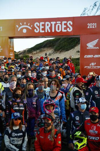 2021_CaseyCurrie_Sertoes-Rally_Brazil_PolarisRZR_Prologue_006.jpg